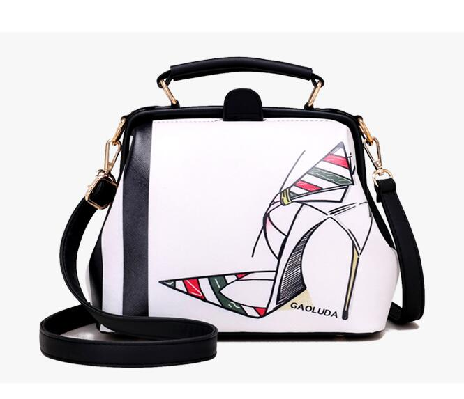 Vintage Chic Print Crossbody Bag