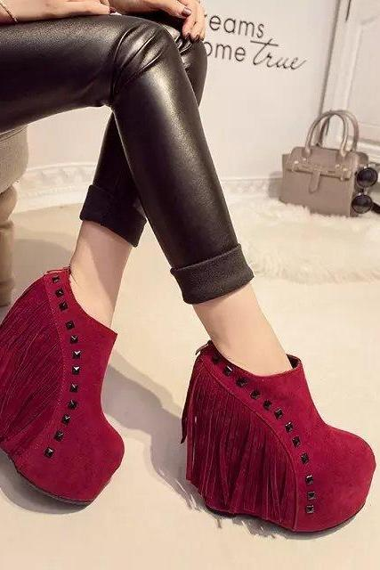 PU Pure Color Slope Heel Round Toe Short Boots