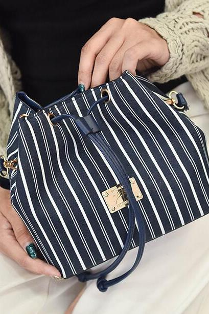 Casual Color Block Stripe Pattern Shoulder Bag