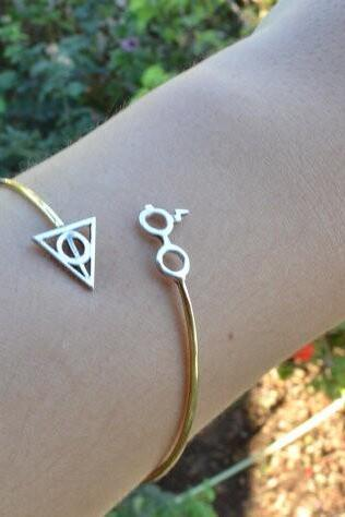 Stylish Geometric Triangle Bracelet
