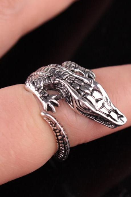Crocodile opening retro adjustable ring