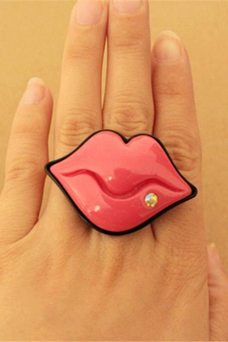 Big lips adjustable ring
