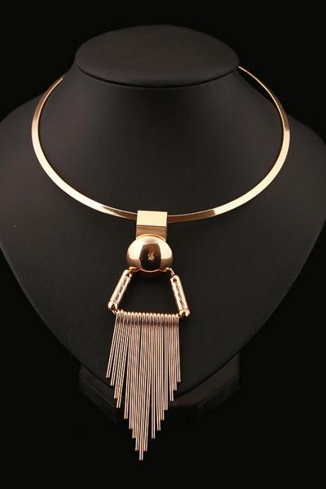 The new fashion luxury contracted exaggerated short necklace