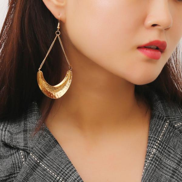 Fashion Trend Metal Earrings