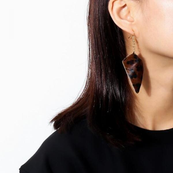 Geometric Flannelette Triangle PU Simple Temperament Earrings