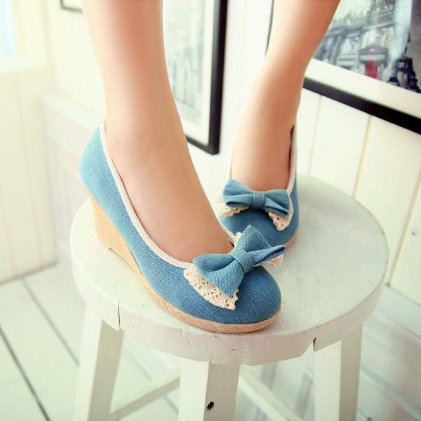 Sweet Bowknot Lace Wedge Heel Shoes